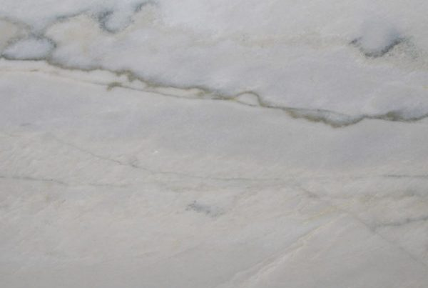 white macaubas quartzite close up